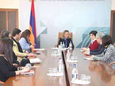 Նովրուզի օրերին իրանցի զբոսաշրջիկներին Հայաստանի մասին պարսկերեն ամսագրեր կտրամադրվեն