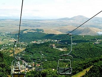 Цахкадзор входит в первую десятку недорогого горнолыжного отдыха россиян с детьми