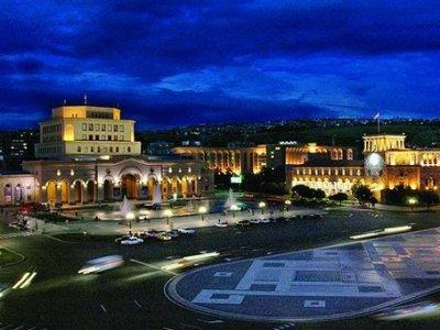 Бизнесмен: Думаем о бизнес-проектах для здания на площади Республики в Ереване
