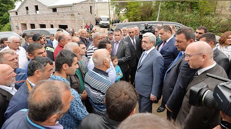 Визит в Тавуш: президенту Армении представили пути развития экстремального туризма и текстильной промышленности
