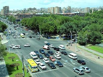 Организация движения транспорта на двух оживленных перекрестках Еревана будет изменена
