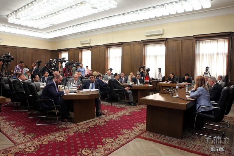 ՀՀ ԱԺ մշտական հանձնաժողովներում շարունակվել են «ՀՀ 2020 թվականի պետական բյուջեի մասին» օրենքի նախագծի նախնական քննարկումները