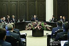 «Մենք կոռուպցիան արմատախիլ ենք անելու, և մեր այս կամքին թող որևէ մեկը չկասկածի». վարչապետն անդրադարձել է կոռուպցիոն բացահայտումներին