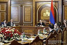 «Մենք պետք է գտնենք նոր հնարավորություններ, որոնք էականորեն կփոխեն Հայաստանի տնտեսական վիճակը և տնտեսական տեղադիրքը աշխարհում». վարչապետի մոտ քննարկվել են տնտեսական հակաճգնաժամային միջոցառումները