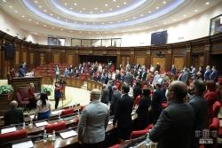 ԱԺ արտահերթ նիստում քննարկվել են ռազմական դրության ժամանակահատվածում հարկային արտոնություններ սահմանող եւ հարկային օրենսգրքում լրացումներ նախատեսող օրենքների նախագծեր