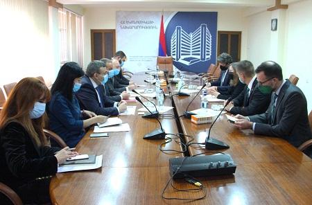 ՀՀ էկոնոմիկայի նախարարը հանդիպում է ունեցել Հայաստանում ԱՄՆ դեսպանի գլխավորած պատվիրակության հետ