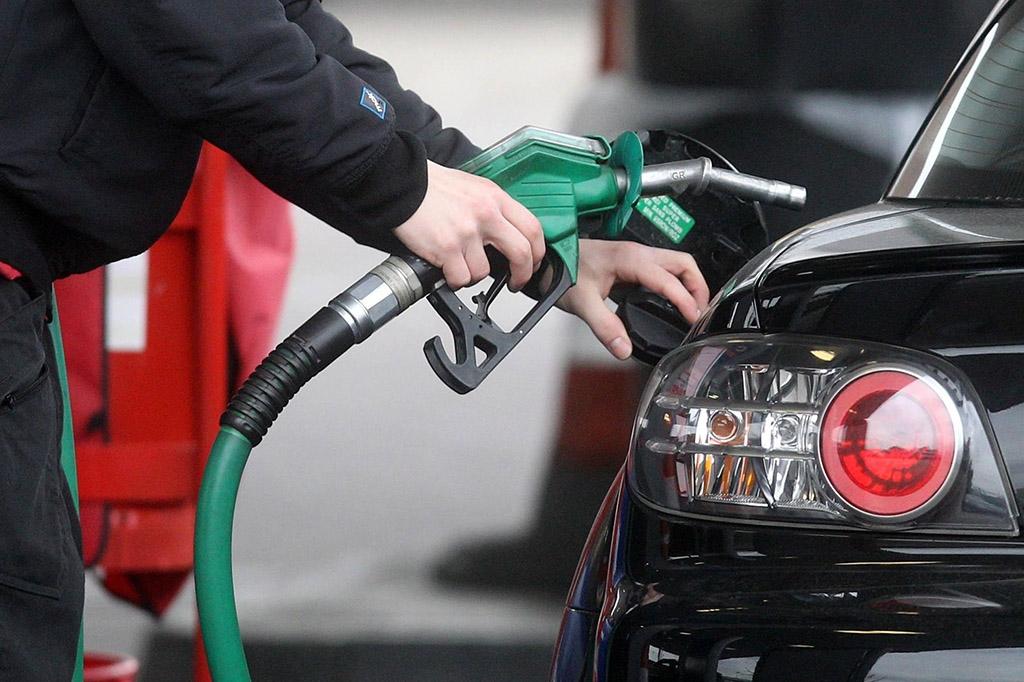 Մեկ տարում բենզինի գինը նվազել է 13.9% -ով, դիզելային վառելիքինը՝ 23.8%-ով