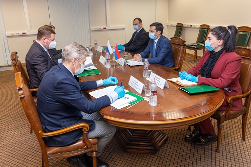 Հակոբ Արշակյանը քննարկումներ է ունեցել Հայաստանում «Ալյանս» ազատ տնտեսական գոտու տարածքների և «ՌԱՕ Մարս» ռուսական կազմակերպությունների զարգացման հեռանկարների շուրջ