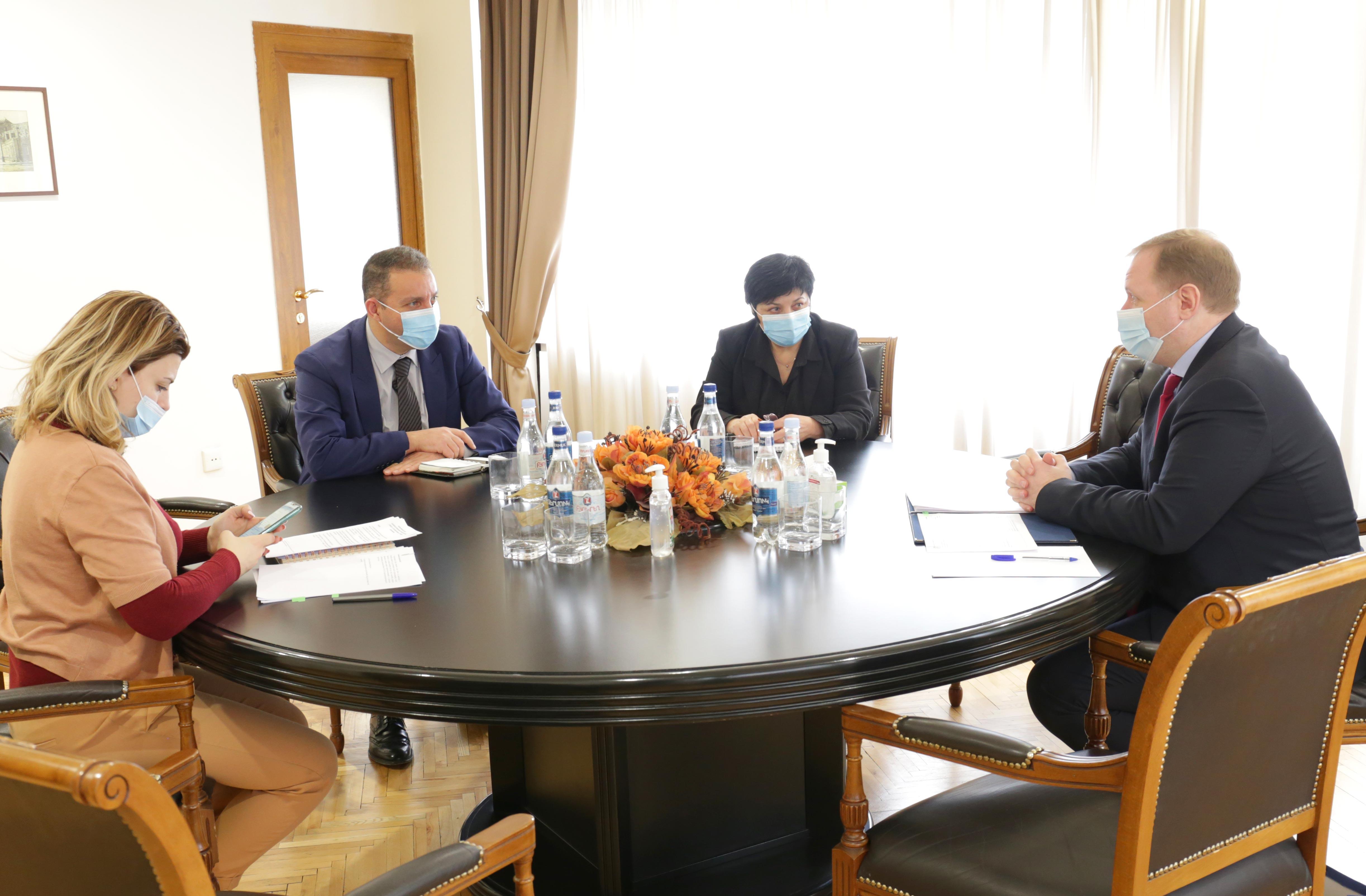 Վահան Քերոբյանը և «Հարավկովկասյան երկաթուղի» ՓԲԸ գլխավոր տնօրեն Ալեքսեյ Մելնիկովը քննարկել են համագործակցության հեռանկարները