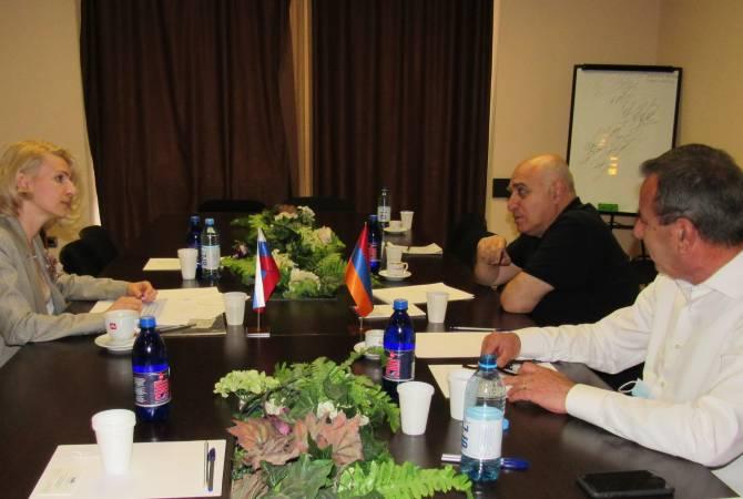 Արսեն Ղազարյանը ՀՀ-ում ՌԴ առևտրային ներկայացուցչի հետ քննարկել է տնտեսական հարաբերությունների խորացման hնարավորությունները