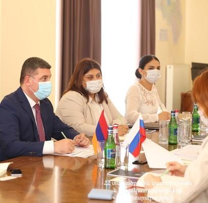 Գնել Սանոսյանն ընդունել է ՀՀ-ում ՌԴ առևտրային ներկայացուցչության պատվիրակությանը