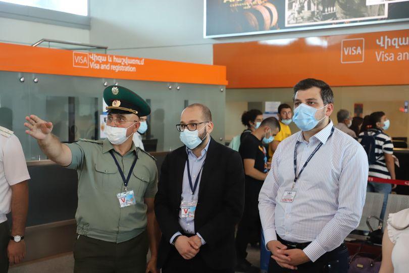 Քննարկվել են ուղևորափոխադրումների արագ և անվտանգ կազմակերպման քայլերը. նախարարի տեղակալ Նարեկ Տերյանն այցելել է «Զվարթնոց» օդանավակայան