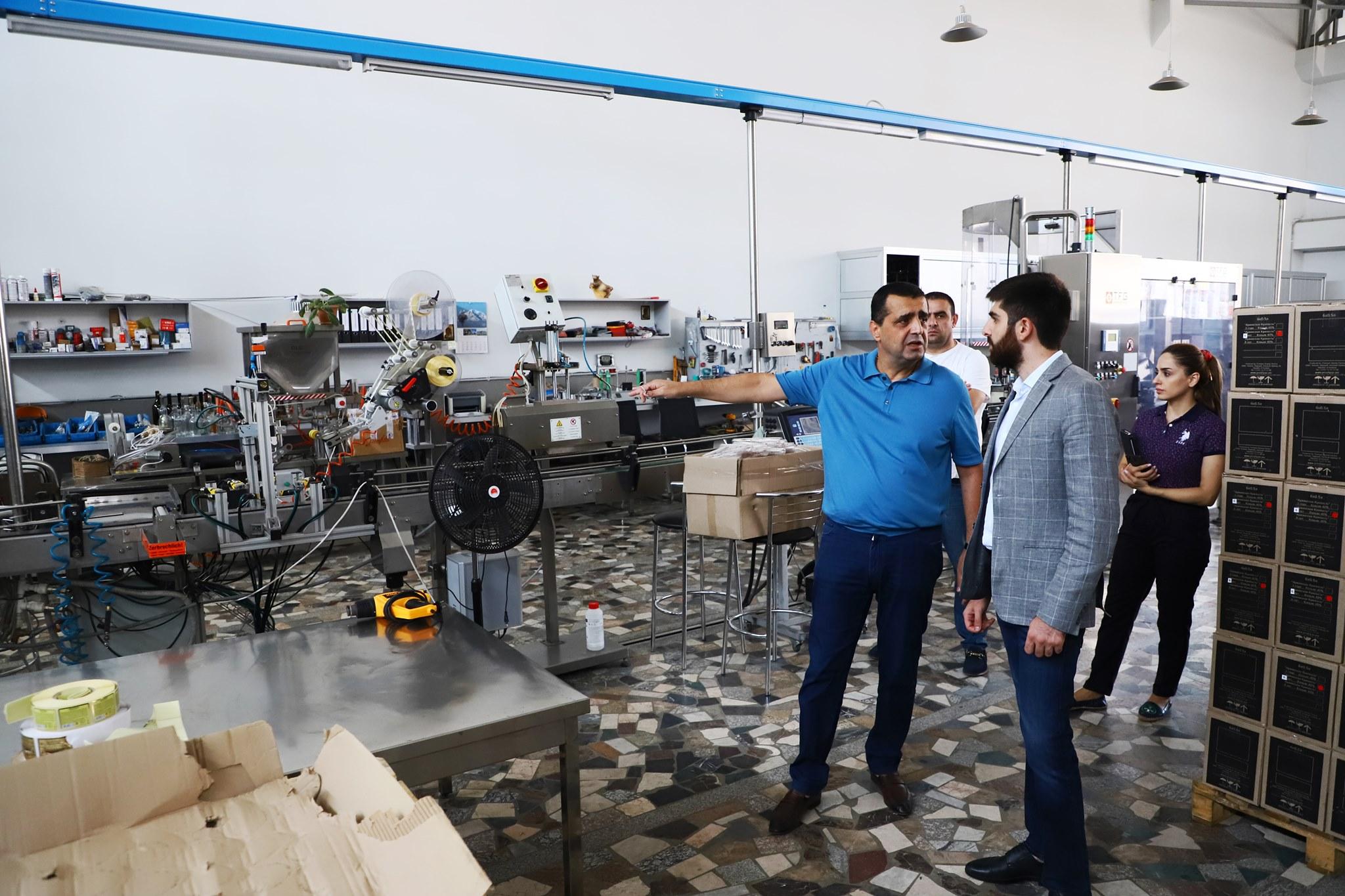 Նախարարի տեղակալ Արման Խոջոյանն այցելել է Պռոշյանի կոնյակի և Արարատի գինու գործարաններ