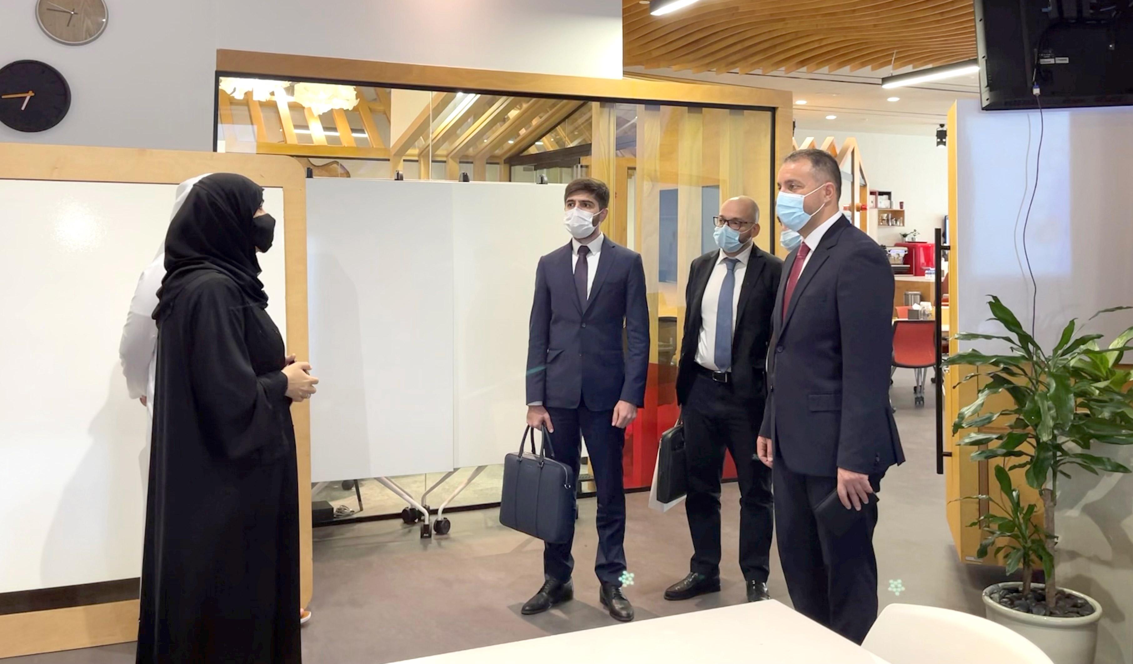 Վահան Քերոբյանը Դուբայում հանդիպել է ԱՄԷ Կլիմայի փոփոխության և շրջակա միջավայրի նախարար Մարիամ Ալմհեյրի հետ